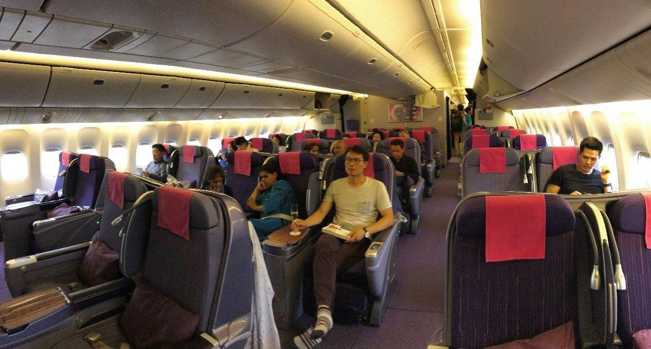 泰國航空區域線商務艙,座位採2-3-2的配置 圖文來自於:TripPlus