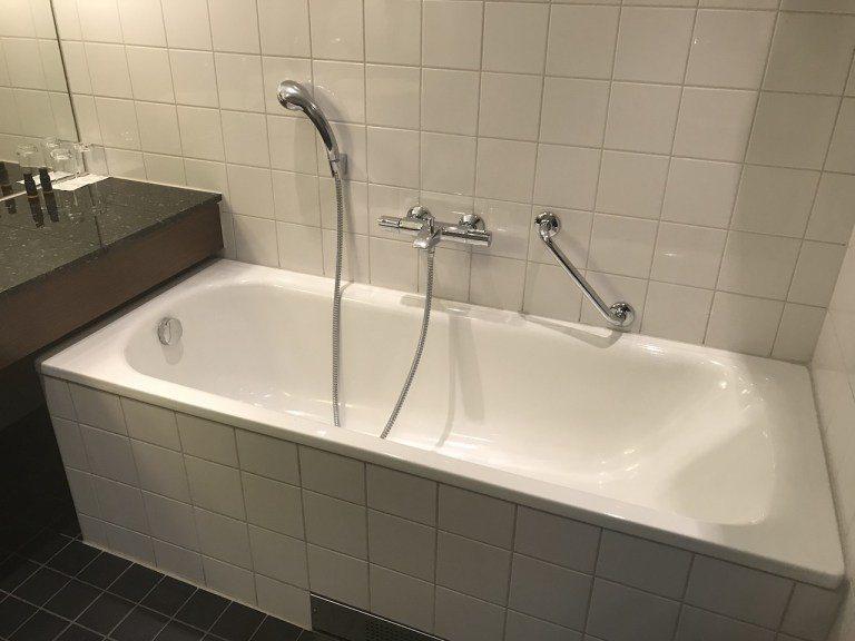 就連浴缸都有足夠深度 圖文來自於:TripPlus