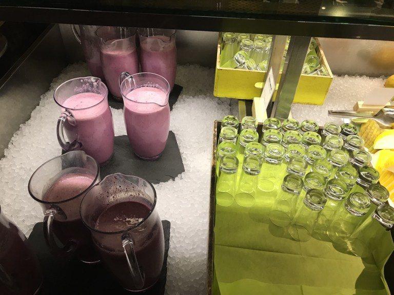 還有莓果奶昔,重點是不加糖,就是單純莓果酸味,非常健康 圖文來自於:TripPl...