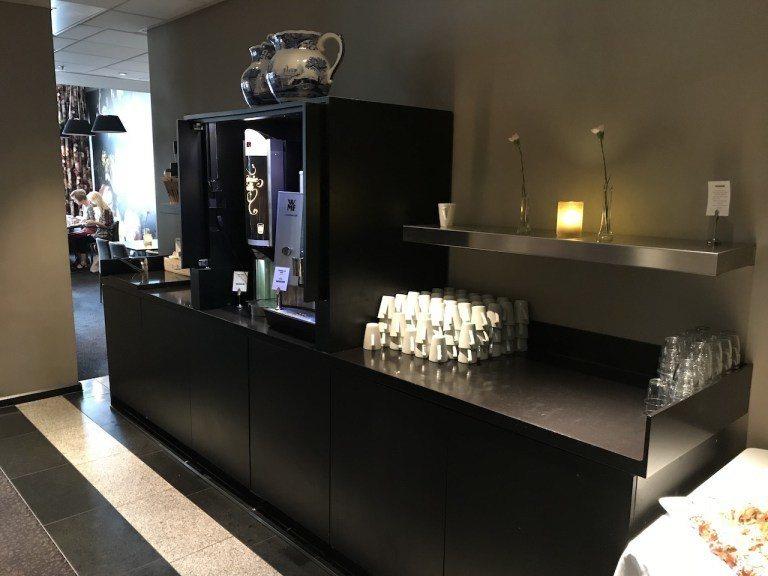 因為客人非常多,所以還有額外的飲料區,對於早餐取用上是比較方便的 圖文來自於:T...