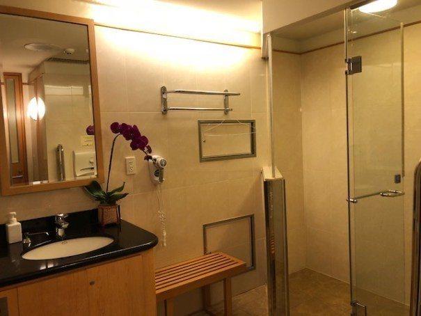 簡單的乾濕分離淋浴設備 圖文來自於:TripPlus
