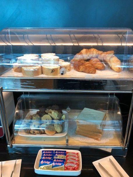 也有簡單的麵包,可以使用旁邊的小烤箱自己烤一下 圖文來自於:TripPlus
