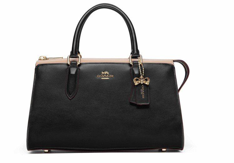 COACH x Selena Gome單肩Bond手袋,售價19,800元。圖/...