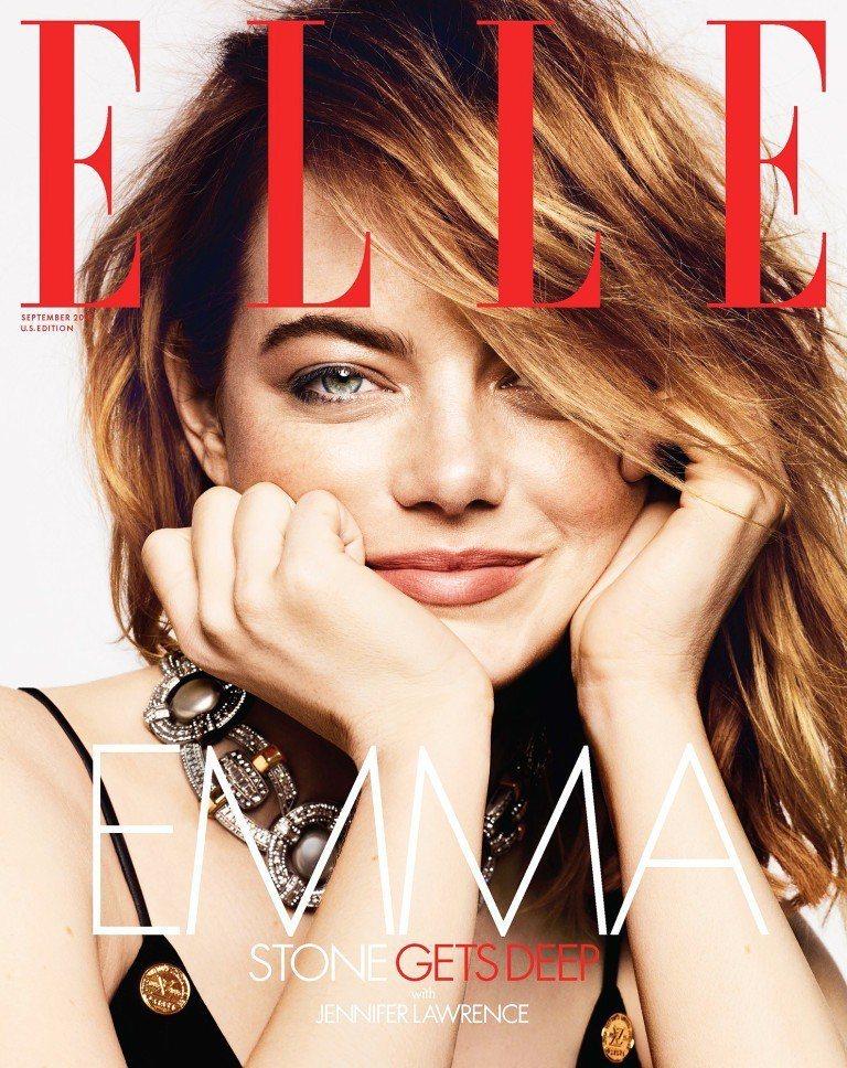 艾瑪史東亮麗登上最新時尚雜誌封面。圖/摘自ELLE