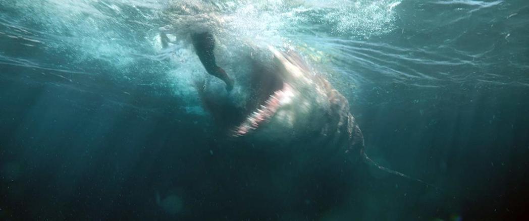 「巨齒鯊」中的超大鯊魚是全片最吸引觀眾花錢捧場的賣點。圖/摘自imdb