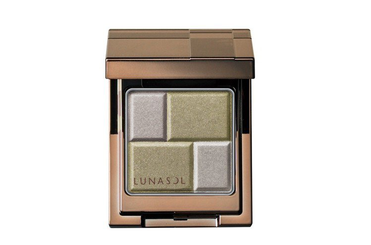 LUNASOL晶巧絲柔眼彩,EX03,1,050元。圖/LUNASOL提供
