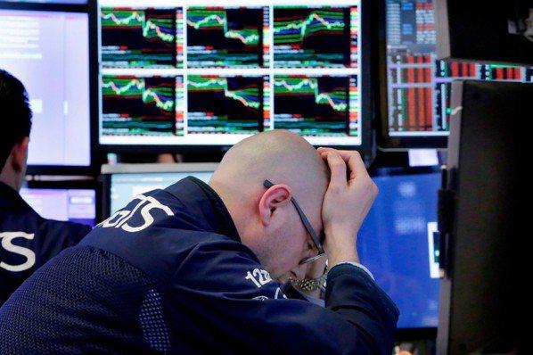 新興股市從1月高點下跌近20%,恐跌入空頭市場。 (美聯社)
