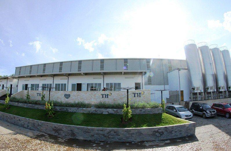 TH true MILK的牛乳加工廠相當現代化,目前在東南亞屬規模最大。圖/翻攝...