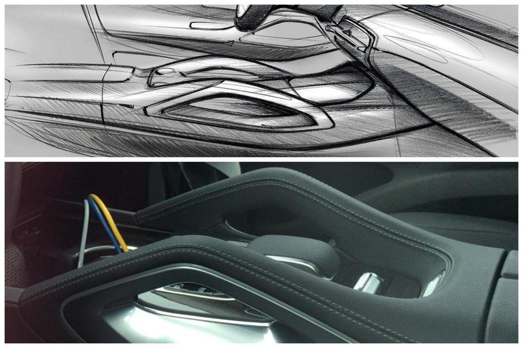 全新Mercedes-Benz GLE中船增加新型拱式扶手。 摘自CarNews...