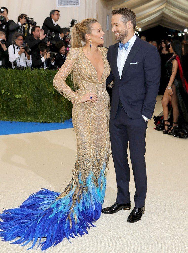 萊恩雷諾斯&布蕾克萊佛莉經常一起出席Met Gala時尚盛宴。圖/摘自Pinte...