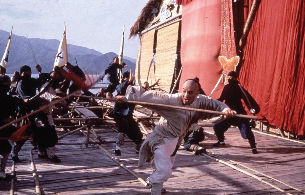 李連杰在「武狀元黃飛鴻」的動作演出,讓台灣觀眾讚不絕口。圖/摘自imdb
