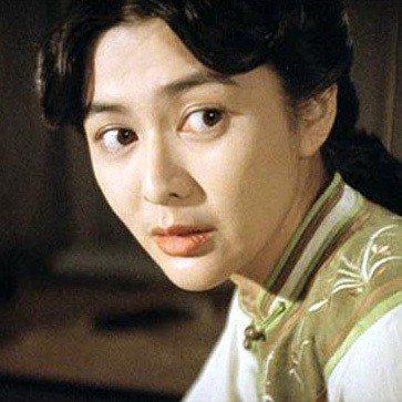 關之琳拍「武狀元黃飛鴻」壓力超大,一直鬧胃痛。圖/摘自HKMDB
