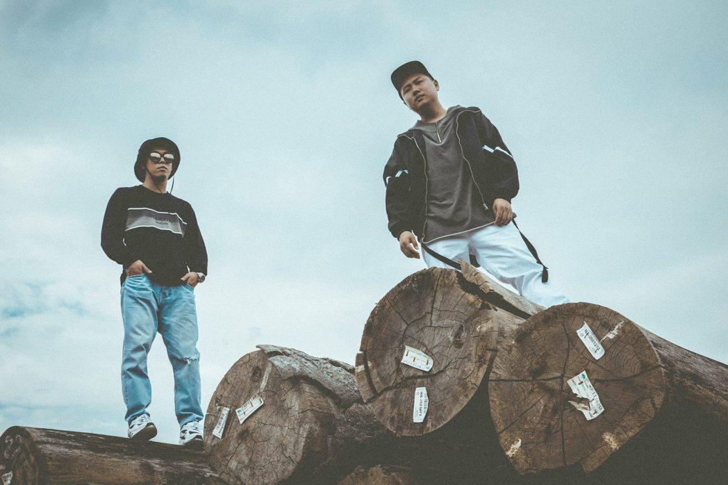 玖壹壹新歌「恐怖情人」MV。圖/混血兒娛樂提供
