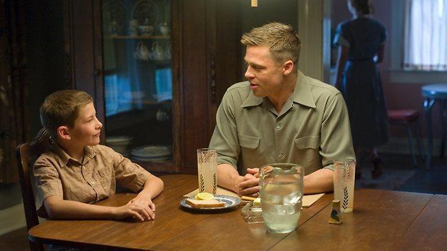 布萊德彼特與泰謝瑞登在「永生樹」演父子,私下一直維持不錯情誼。圖/摘自davem