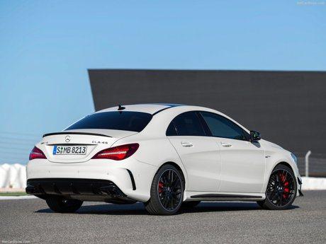 下一代Mercedes-AMG CLA 45 偽裝車首次現蹤