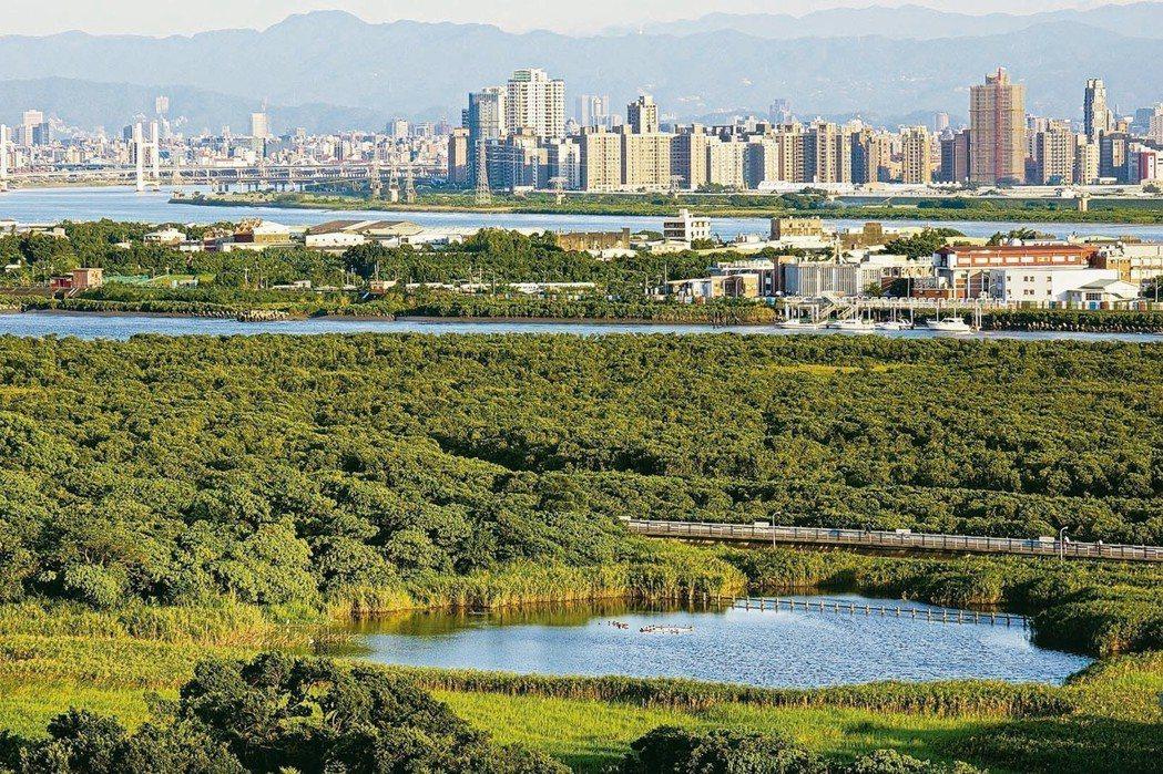 北投關渡擁有北市最大的濕地,生態豐富且生活機能無虞,房價卻較其他北市區域便宜,頗...