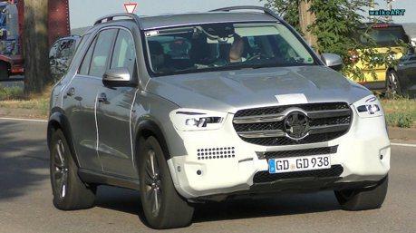 全新Mercedes-Benz GLE路試捕獲 幾乎要脫光光了