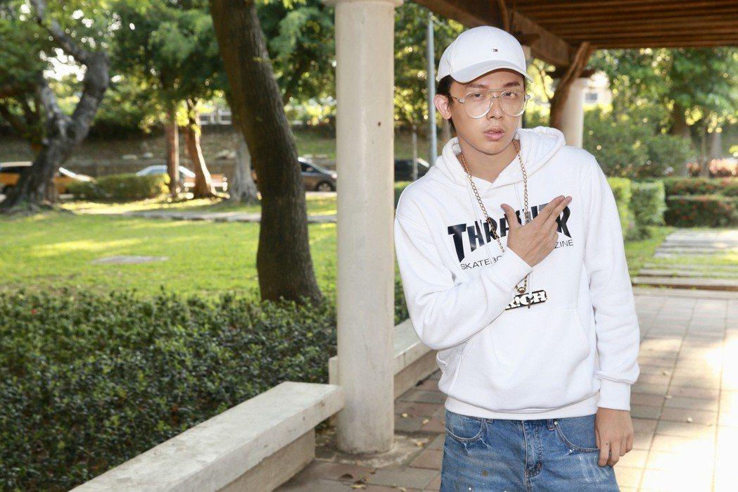 酷炫在反骨男孩中身兼演員、導演、編劇和後製。記者林伯東/攝影