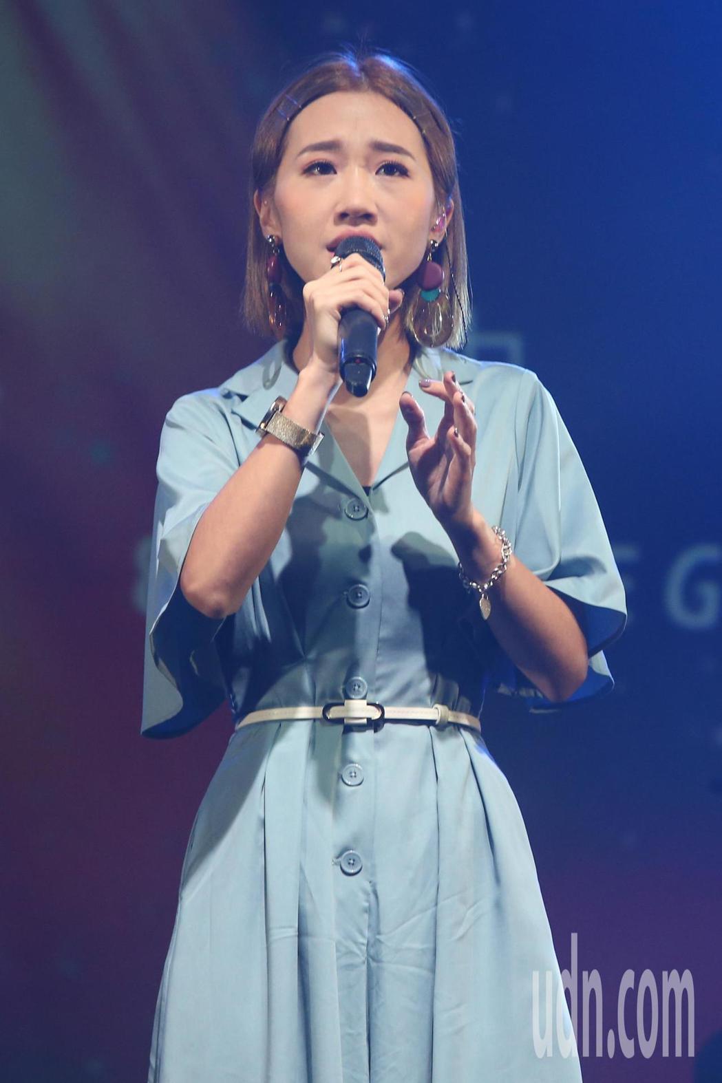 孫盛希18日在台北舉辦個人演唱會,下午進行彩排時好友LULU也到場合唱並祝福。記...