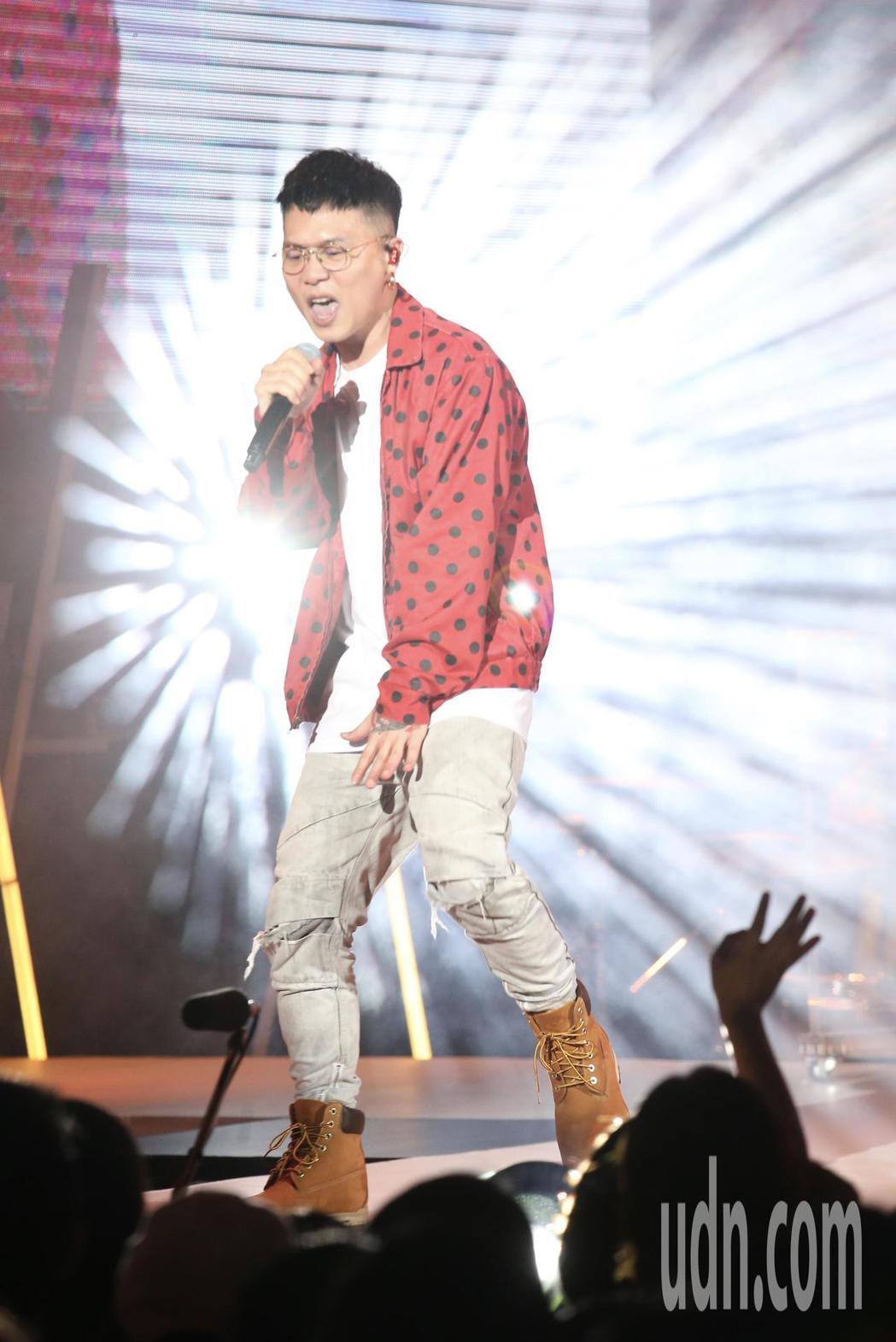 歌手蕭秉治晚間舉辦《凡人》新歌演唱會。記者許正宏/攝影