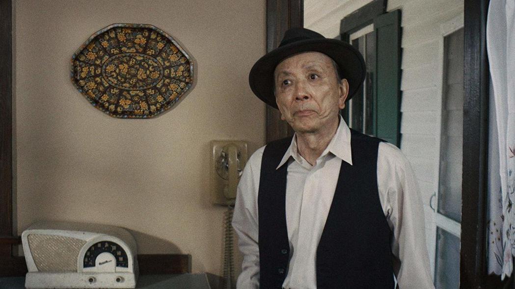 在美國出生、長大的89歲資深男星吳漢章,樂見好萊塢終於願意讓亞裔當主角。圖/摘自...