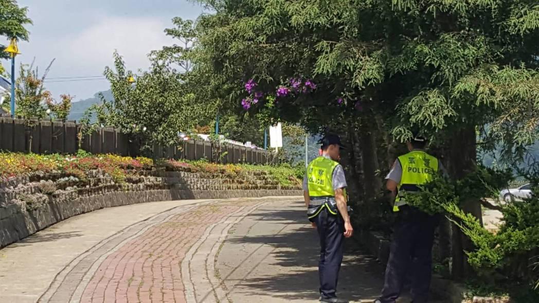 行政院院長賴清德昨到苗栗縣視察,1名警員在勤教時昏倒送醫,已恢復知覺。 記者胡蓬...