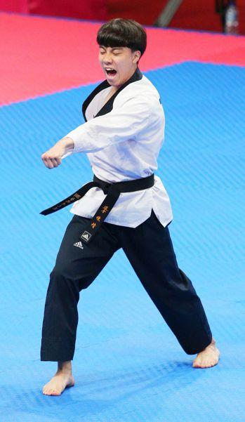 陳靖在亞運品勢男子個人項目準決賽失利,無緣決賽獲得銅牌。特派記者陳正興/攝影