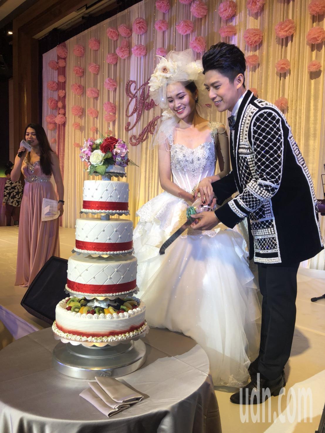 農曆7月傳統認為不適合嫁娶,嘉義地區唯一一家五星級飯店「耐斯王子飯店」今舉辦婚禮...