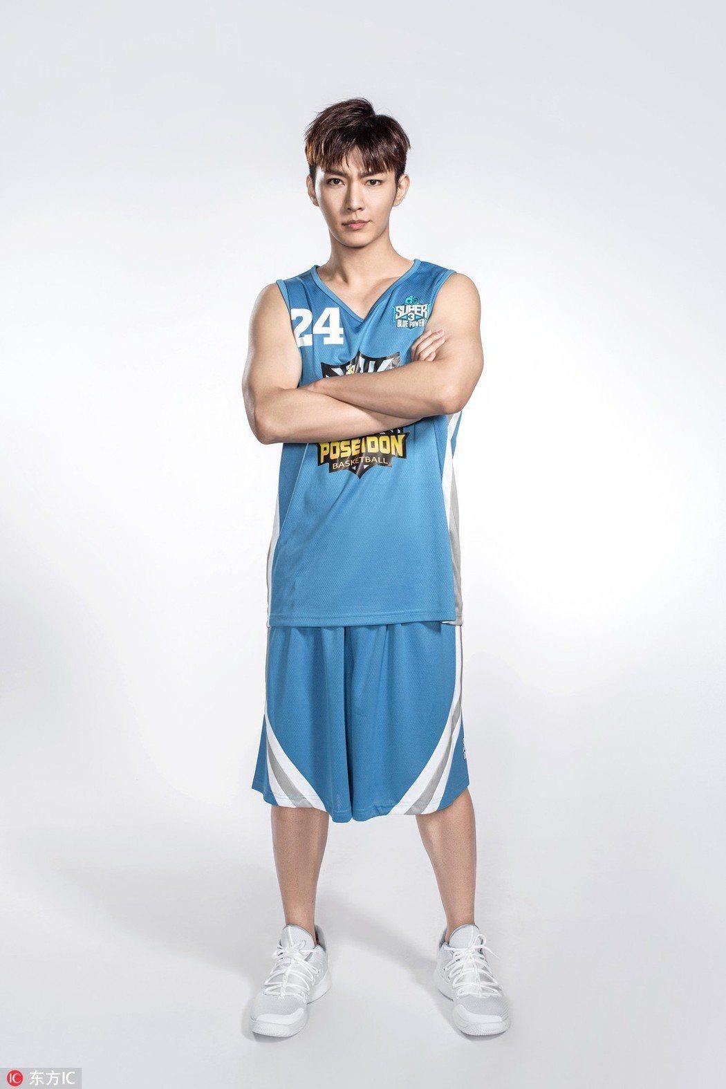 炎亞綸應邀參與超級企鵝盃籃球名人賽。圖/騰訊提供