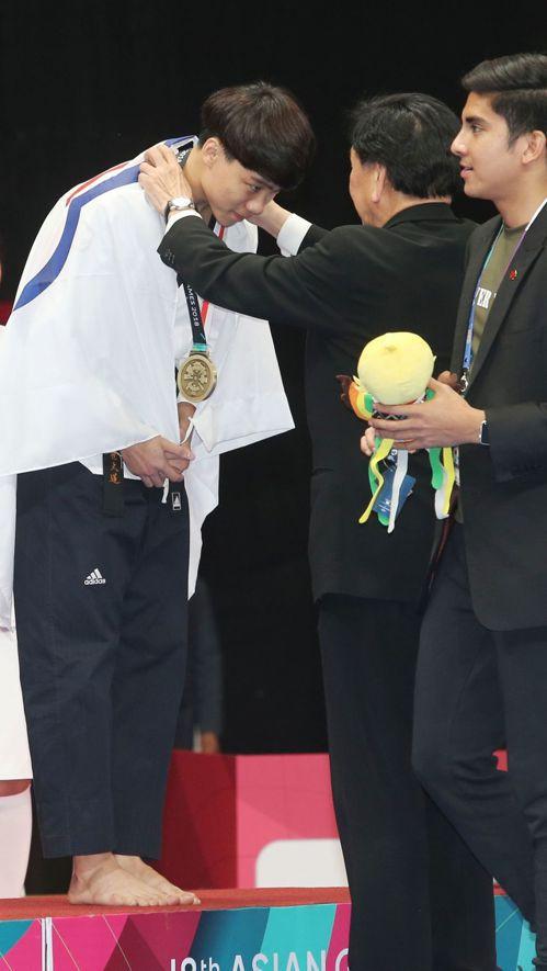 跆拳道選手陳靖拿下雅加達亞運品勢男子個人銅牌。特派記者陳正興/雅加達攝影