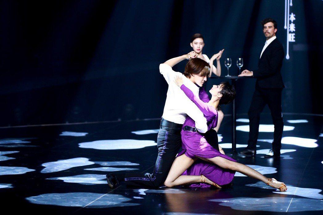 鄭元暢上「新舞林大會」節目大跳國標舞。圖/M.I.E最大國際娛樂提供