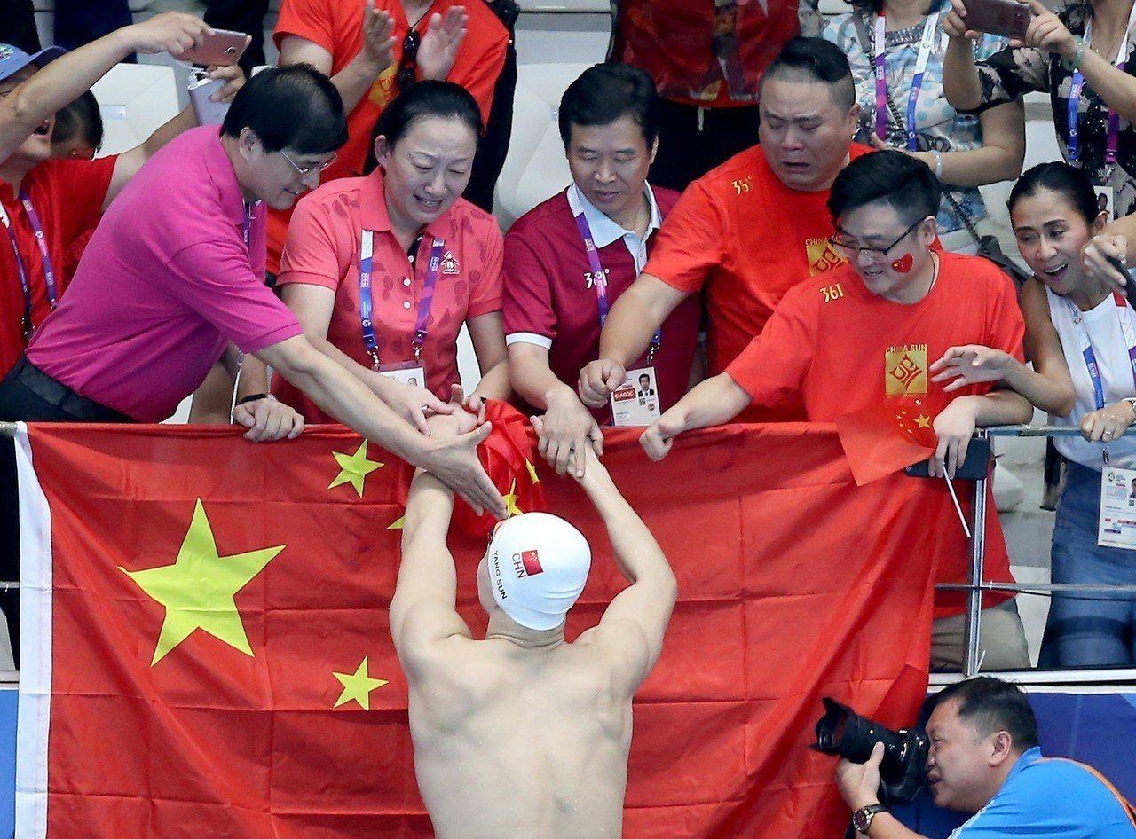 孫楊首度摘下亞運200公尺自由式金牌。特派記者余承翰/雅加達攝影