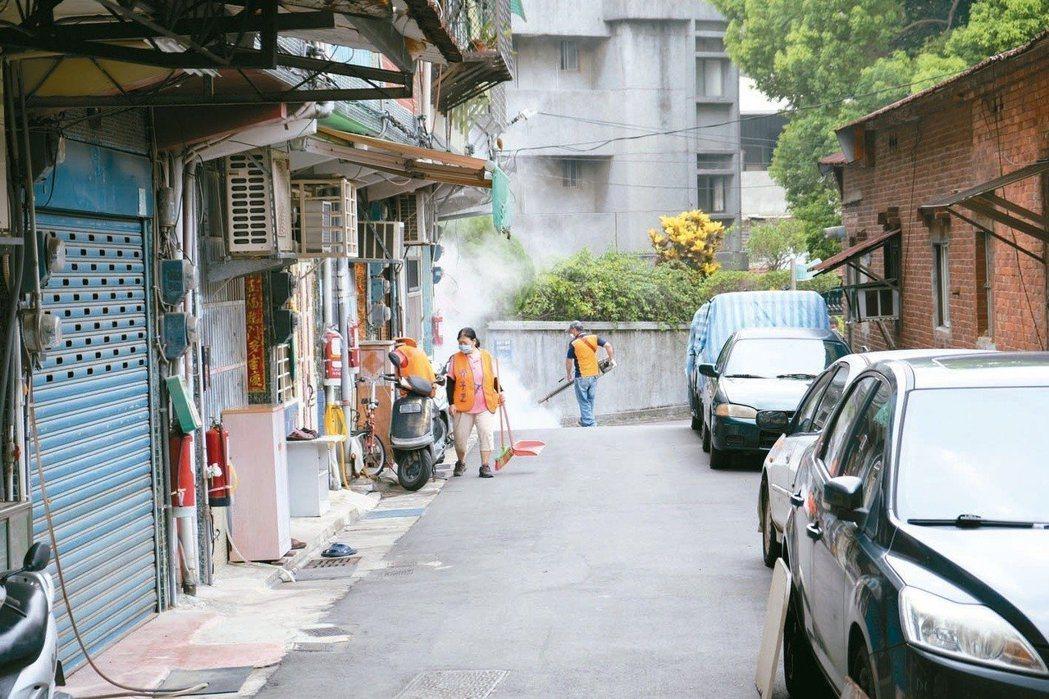 新北市日前發動「全市除蚊日」。圖/報系資料照