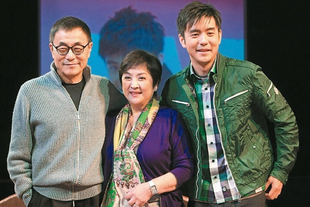劉家昌(左)認為劉子千(右)教唆媽媽甄珍鬥爭自己。圖/聯合報系資料照