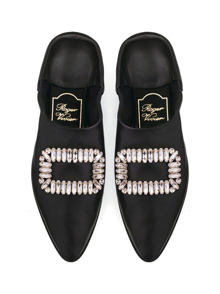 Roger Vivier Bab Viv'後踩式平底鞋,48,900元。圖/迪生...