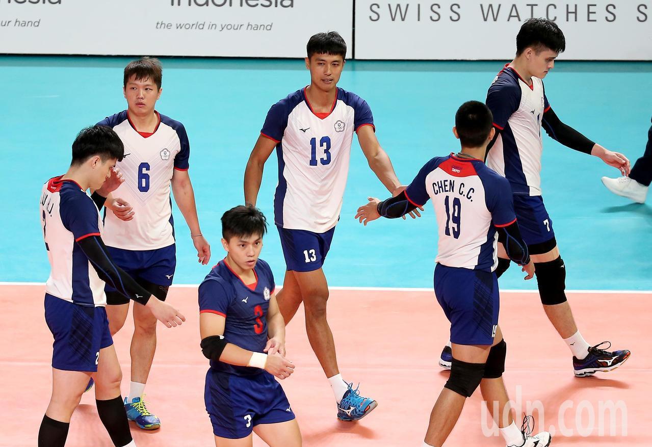 中華男排在4強賽將遭遇「老對手」南韓隊,力拚金牌戰門票。 特派記者余承翰/雅加達...