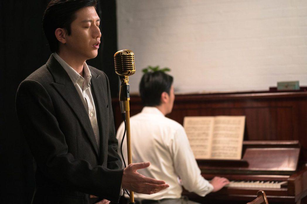呂赫若在台灣文學圈內享有「台北第一男高音」美譽。圖為《台北歌手》劇照。 圖/公視...