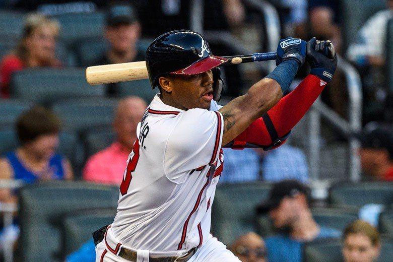勇士菜鳥外野手亞古納在明星賽後僅僅30場比賽就打出12支全壘打和24分打點,打擊...