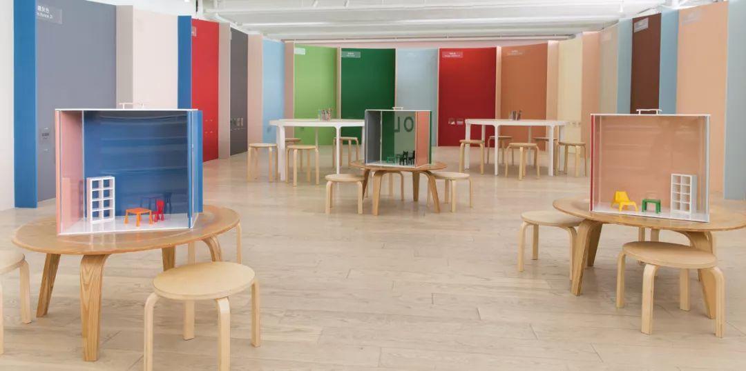 「建築的70%」於展場打造親子互動色彩的實驗空間 © 臺北市立美術館