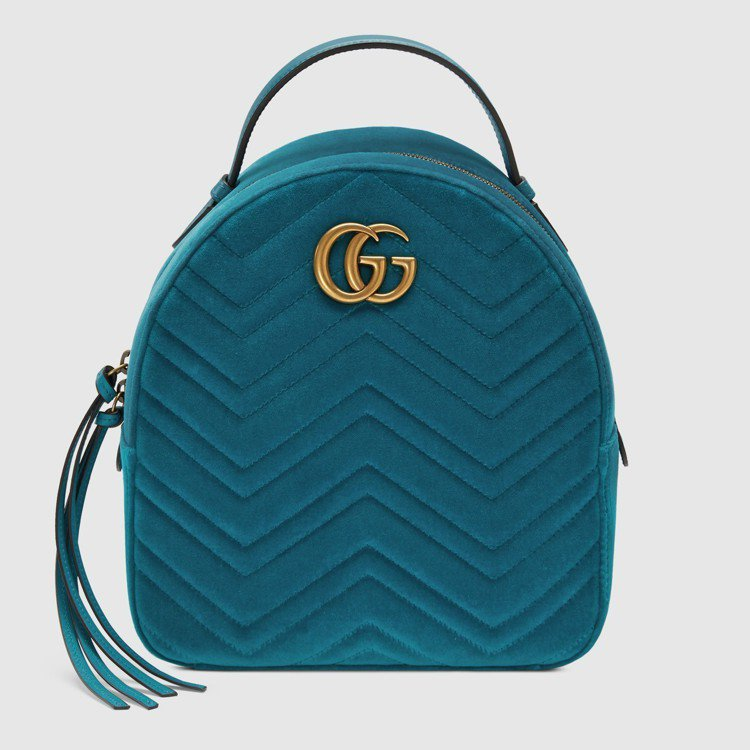 GG Marmont天鵝絨後背包,67,500元。圖/Gucci提供