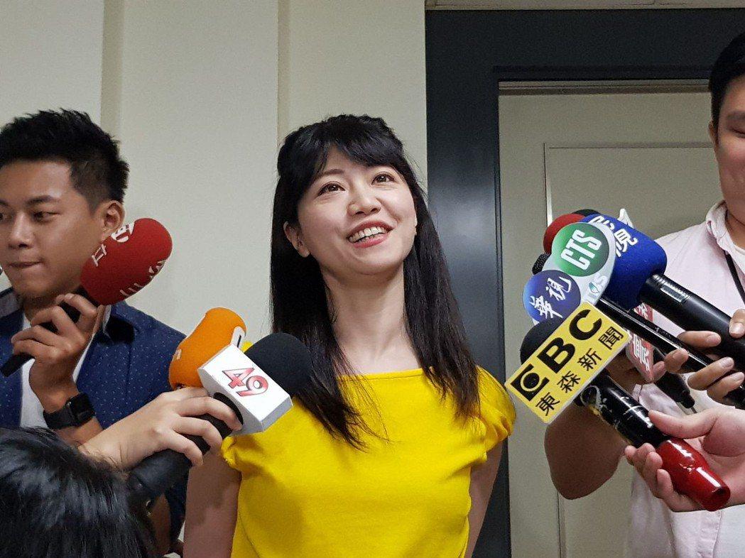 高嘉瑜聲援徐巧芯,「來自早餐店的女孩,加油,別哭」。 圖/聯合報系資料照片