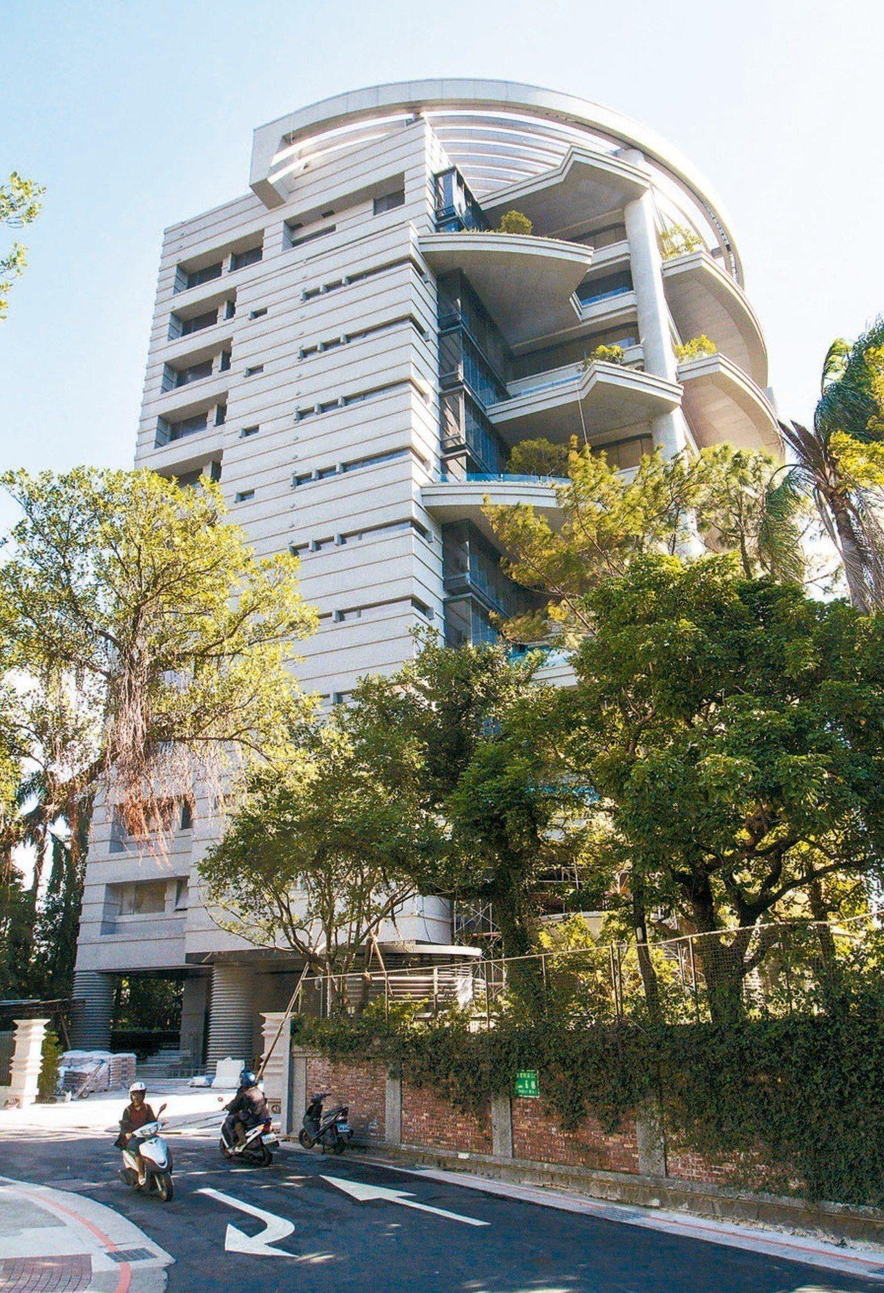 今年3月僑外資百威達以每坪252.5萬元買進「松濤苑」。 本報系資料庫