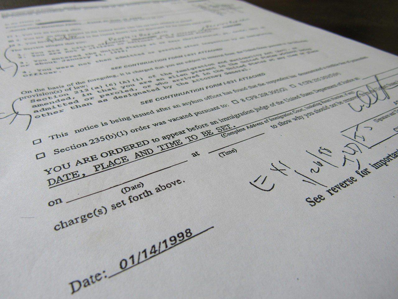 根據聯邦最高法院日前對Pereira v. Sessions案的判決,該文件屬無...