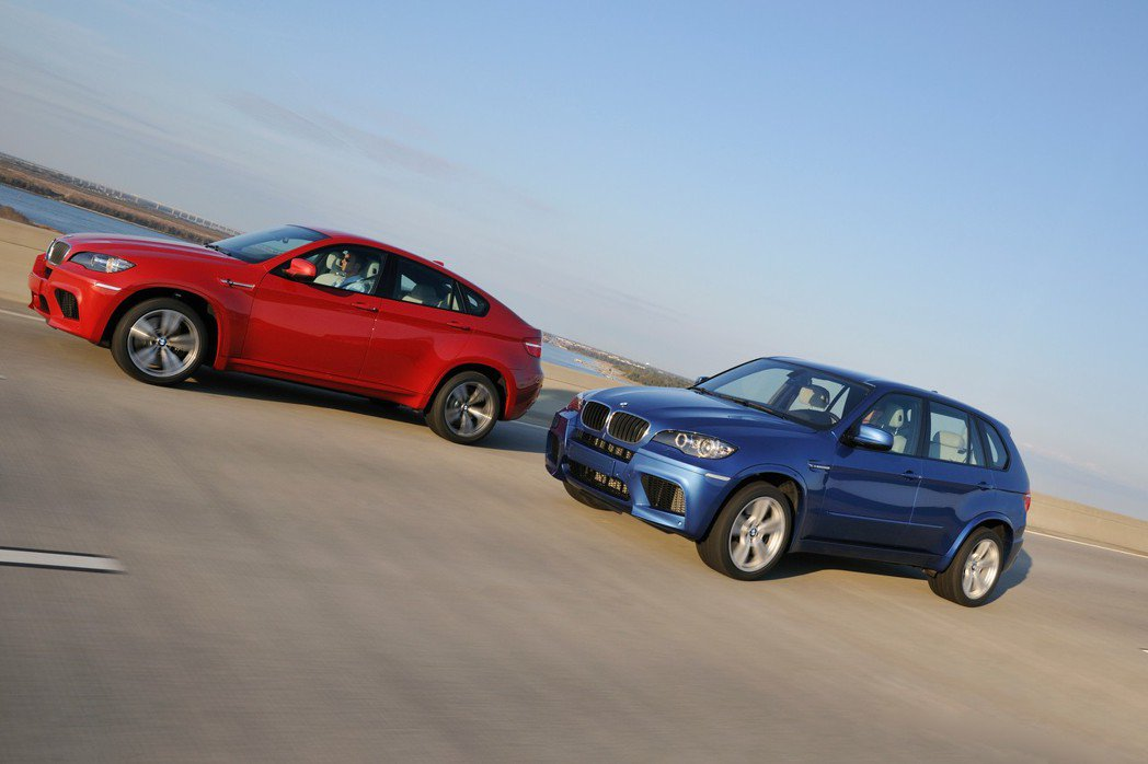 BMW X5 M(E70 M)與BMW X6 M (E71 M)。 摘自BMW