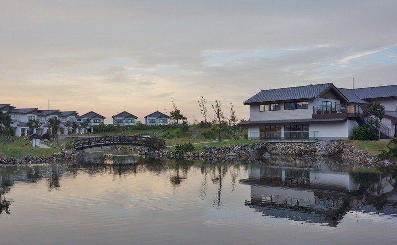 綠舞日式庭園,向晚景色怡人。 徐谷楨/攝影