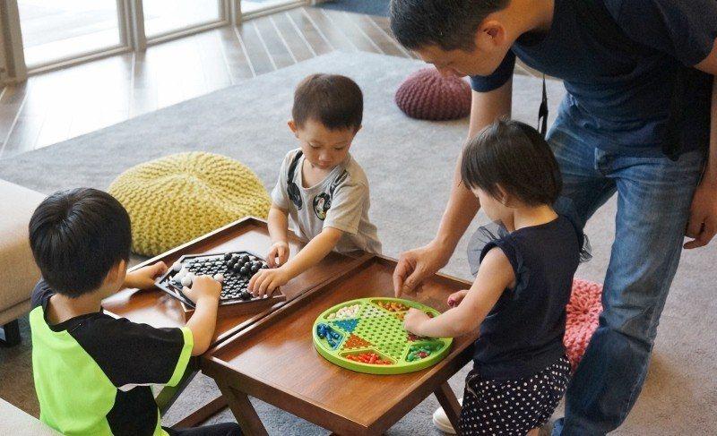 飯店設有休閒中心,裡面有許多供親子同樂的設施,例如桌遊。 徐谷楨/攝影