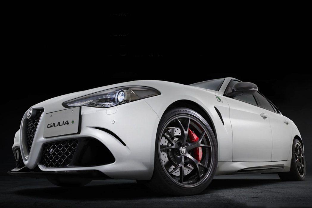 澳洲專屬的Alfa Romeo Giulia Quadrifoglio Carbonio Edition。 摘自Alfa Romeo Australia