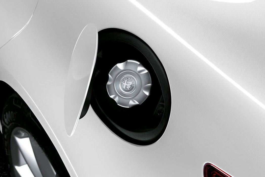 附有Alfa Romeo標誌的油箱蓋內蓋。 摘自Alfa Romeo Austr...