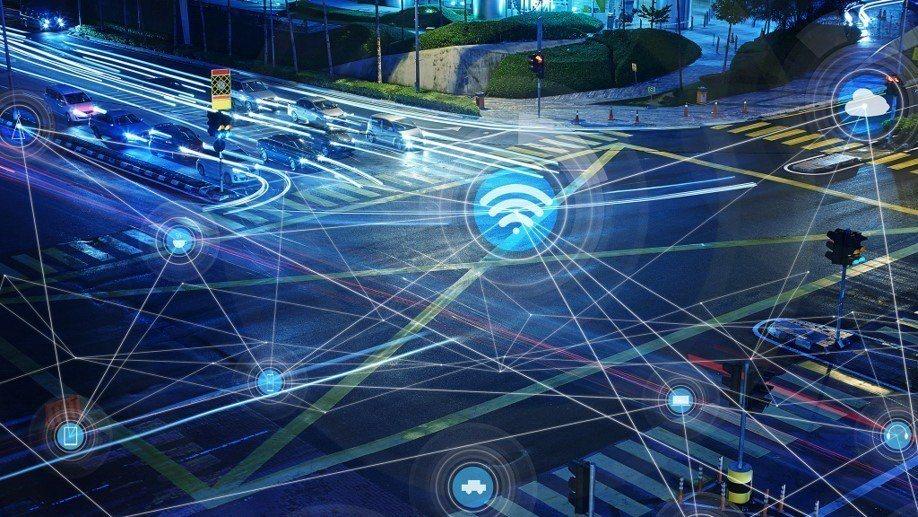 Ford正透過多個策略合作夥伴關係,為智慧城市開發更高智能的汽車,專注於自動化、電氣化和車聯網等技術,以滿足未來的移動需求。 圖/Ford提供