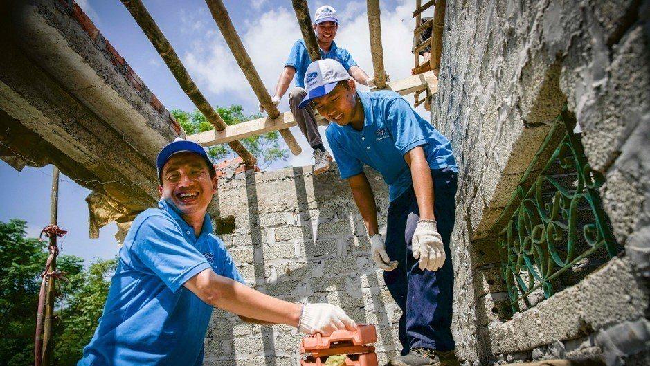Ford為體現「Better World」更美好世界的企業願景,以「Operation Better World」專案為社區提供幫助,並鼓勵員工投入志工服務。 圖/Ford提供